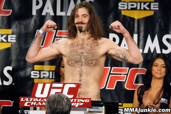 "Cody McKenzie vs. Yves Edwards na ""Fight for the Troops 2"""
