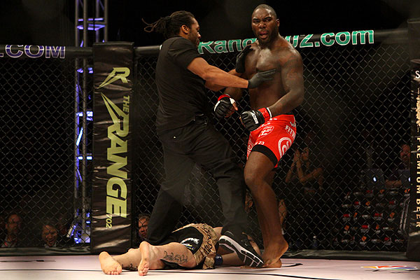 UFC 172: Anthony Johnson vs. Phil Davis, Luke Rockhold vs. Tim Boetsch