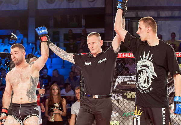 Karty sędziowskie Thunderstrike Fight League 5 (+foto)