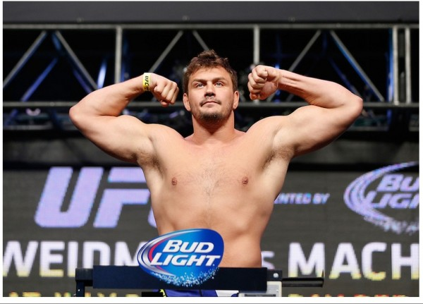 UFC Fight Night 50 : Mitrione vs. Lewis kolejnym pojedynkiem dodanym do karty walk