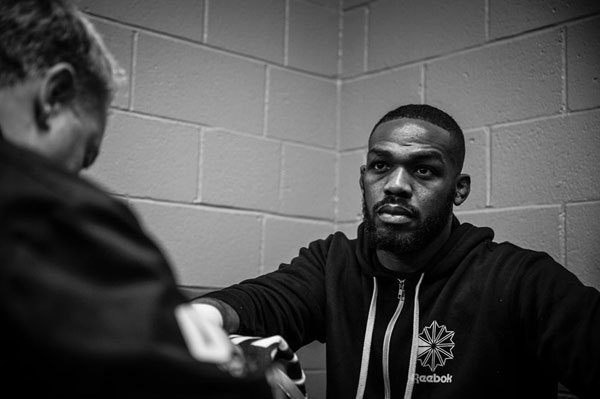 Jon Jones ponownie w szeregach do UFC (+video)